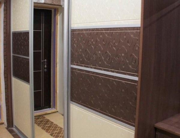 Шкаф-купе с зеркалом №21